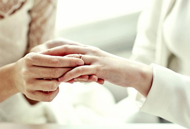 25218846 Kvindepar bliver oftere gift i kirken end mandepar : Bryllup - side ...
